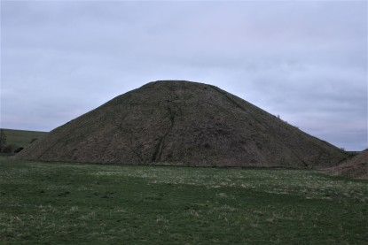 No walking up on Silbury Hill.