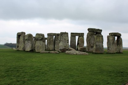 Iconic image of Stonehenge.