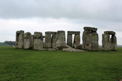 Iconic image of Stonehenge.