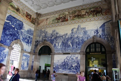 The São Bento Train Station is an attraction onto itself, with 20,000 azulejos tiles in the entrance hall showing scenes from Portuguese history.