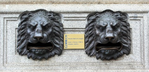 Hungry lions await your mail.