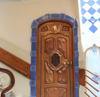 Residents of Casa Batlló would have felt they were living in a fantasy world as they opened oddly shaped doors with raised designs and walked along hallways that felt more like narrow tunnels.